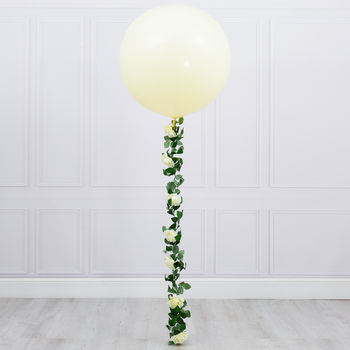 White Rose Flower Tail Giant Balloon