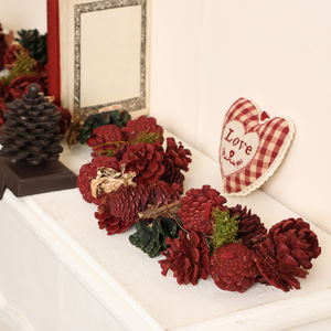 Festive Forest Pine Cone Christmas Garland