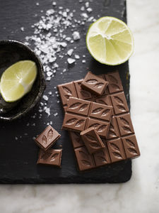 Peruvian Lime And Sea Salt Milk 41% Chocolate Bar - chocolates