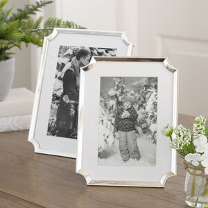 Silver Plated Scalloped Corner Photo Frame