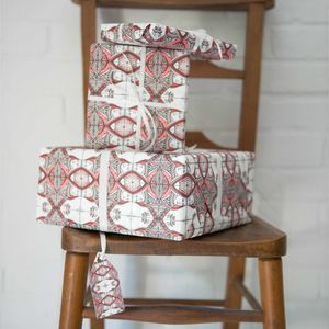 Luxury Queen Of Hearts Gift Wrap And Tag - wrapping