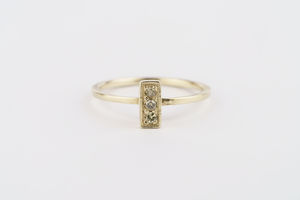 Bar Alternative Diamond Ring