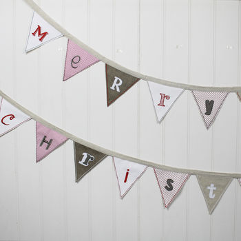 Merry Christmas Triangle Bunting