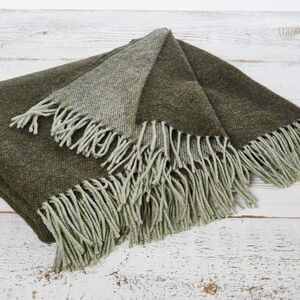 Luxurious Moss Throw In King Size