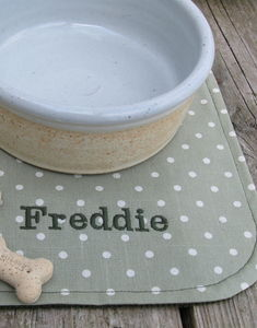 Feeding Mat For Dogs - treats & food