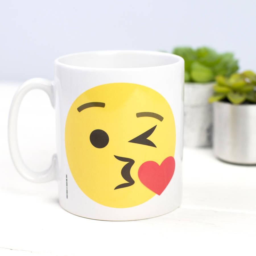 Emoji Kiss Mug