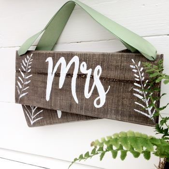 Mr And Mrs Woodland Wedding Style Signs