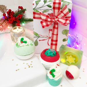 Christmas Bath Bombs And Soap Gift Set