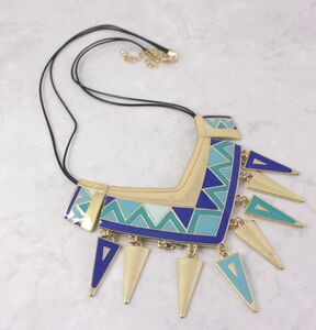 Gold Geometric Triangle Pattern Necklace
