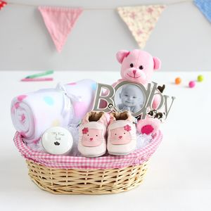 Create A New Baby And Mum Gift Basket - baby shower gifts & ideas