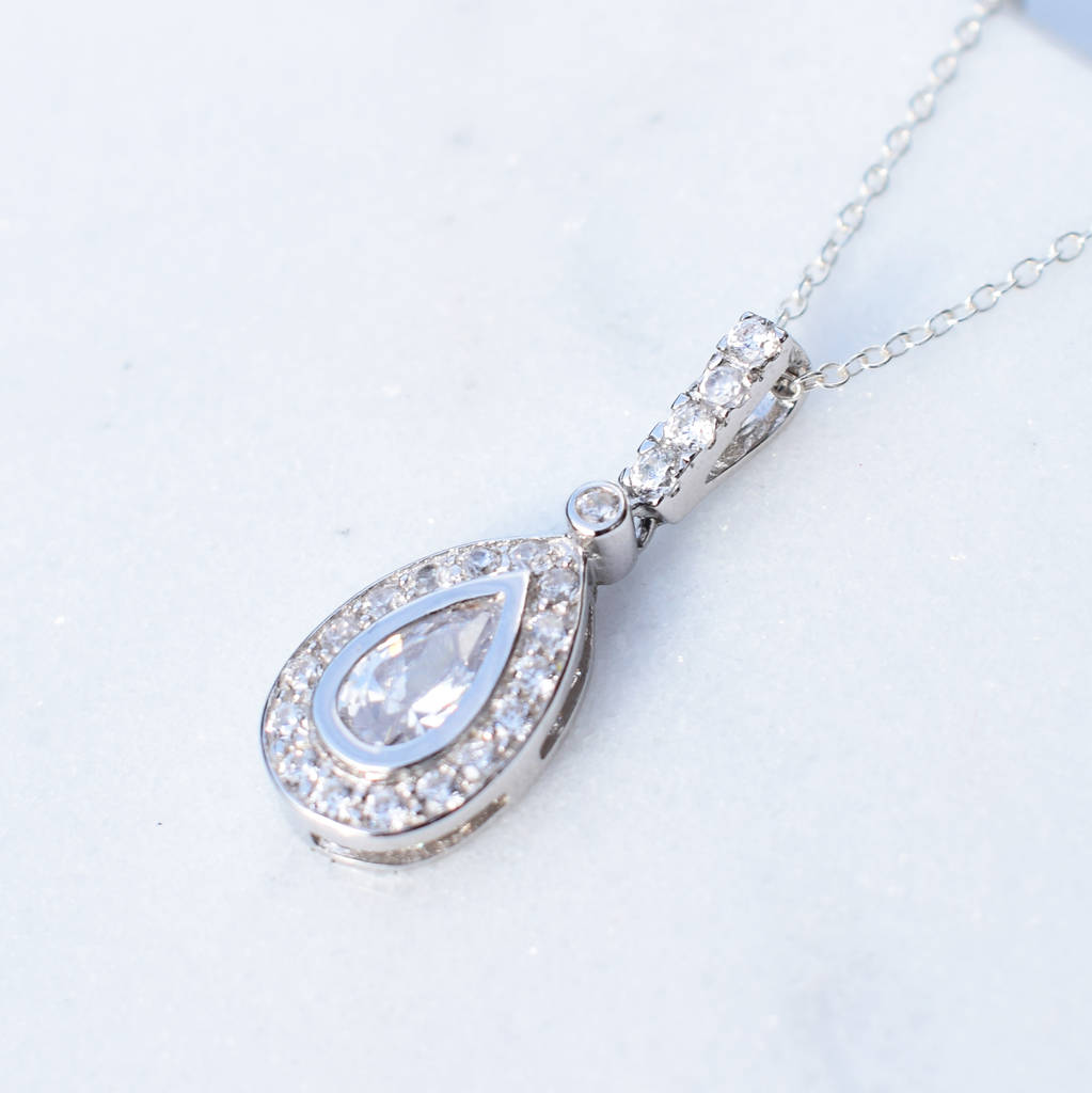 pendant platinum diamond pear bale necklace shape in solitaire double setting shaped