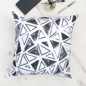 Geometric Triangle Pattern Cushion