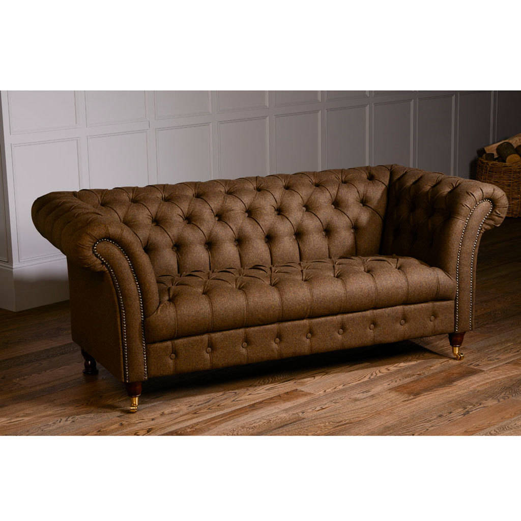 vintage leather chesterfield sofa home the honoroak. Black Bedroom Furniture Sets. Home Design Ideas