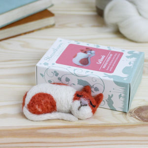 Cat Brooch Needle Felting Kit - knitting kits