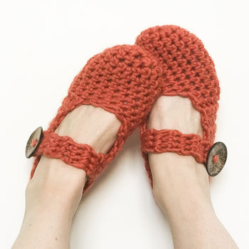 Amy Slippers Crochet Kit
