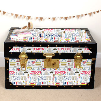 London, New York, Paris Tuck Box