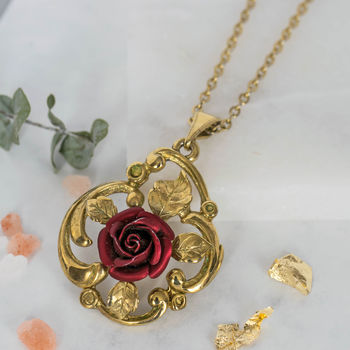 Vintage 1960s Red Rose Necklace