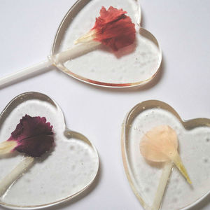 Set Of 10 Edible Flower Lollipops - edible favours