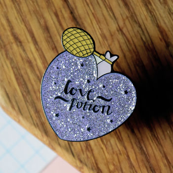 Harry Potter Love Potion Pin
