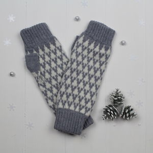 Arrow Knitted Fingerless Mitts In Seal/White - gloves