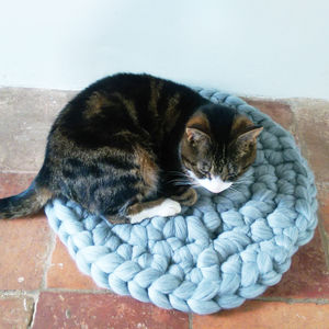 Chunky Yarn Cat Mat 100% Wool Pet Bed - cats
