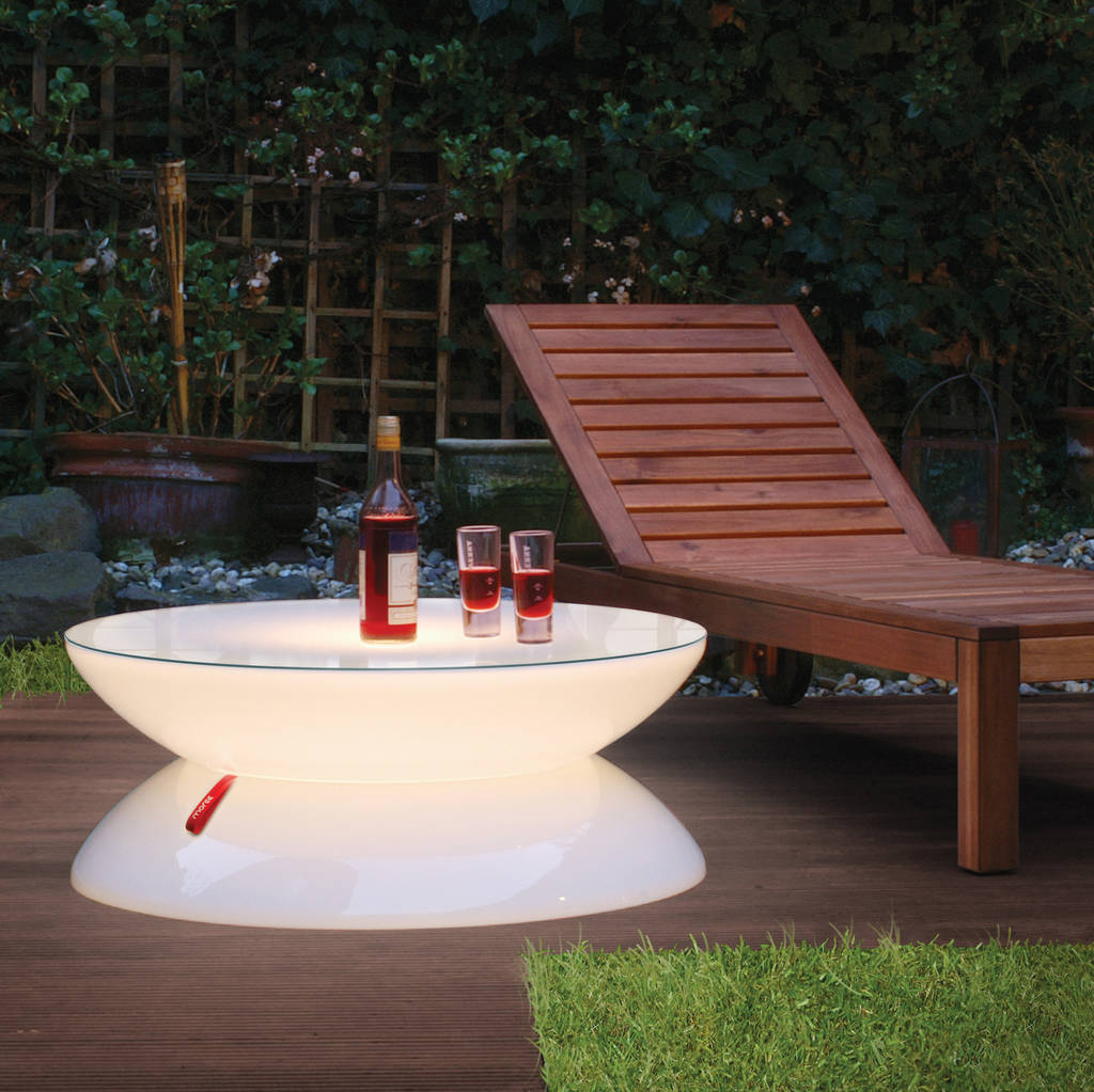 Attirant Relax Outdoor Light Up Table