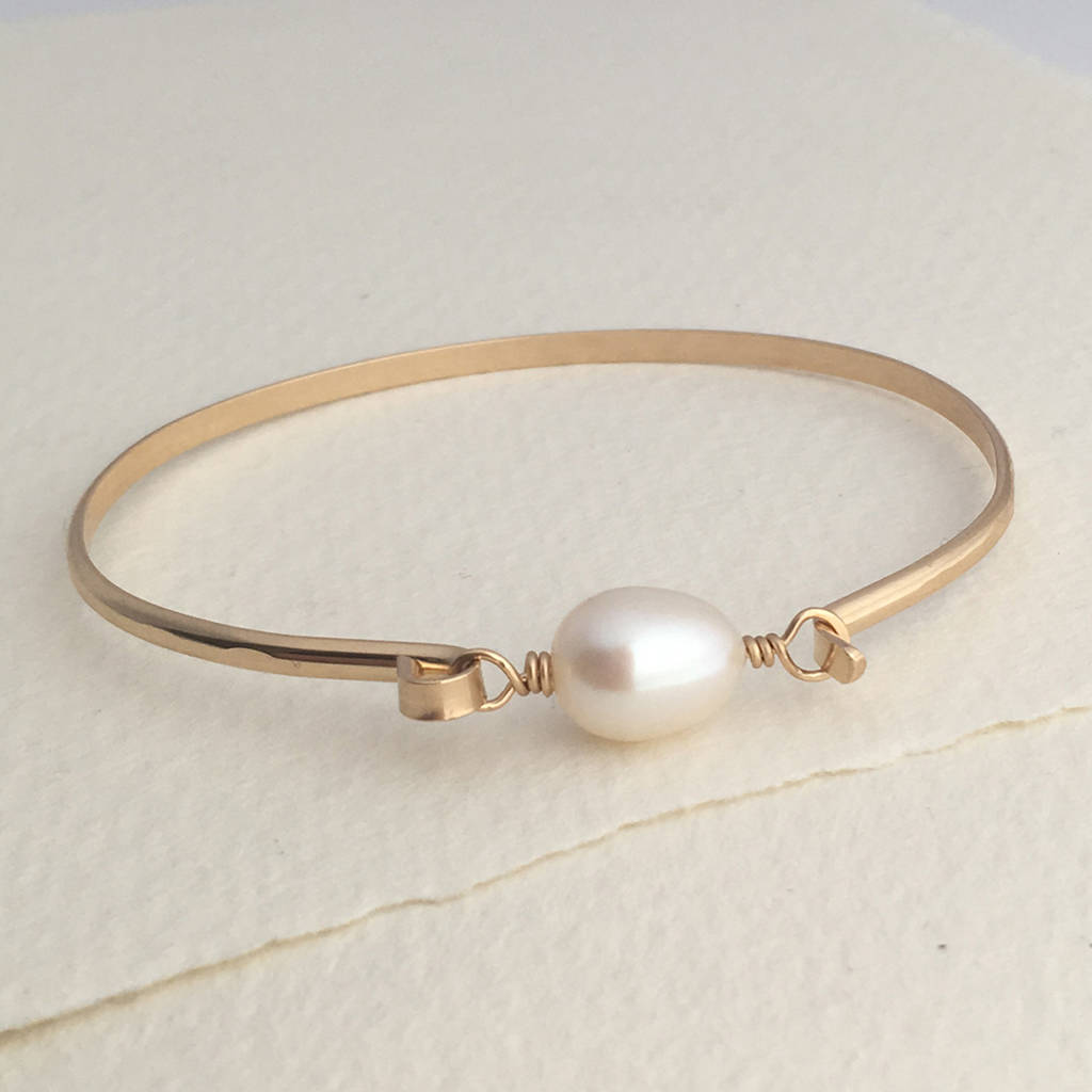 and diamond pearls pear with bracelet bangle mount pearl products shops diamonds bangles gold the at