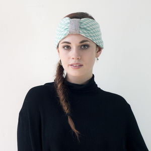 Triangle Knitted Headband In Mint