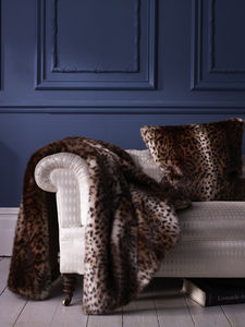 Luxuriously Soft Classic Faux Fur Throw