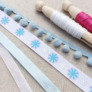 Modern Snowflake Ribbon Collection