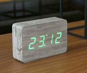 Brick Click Clock - bedroom