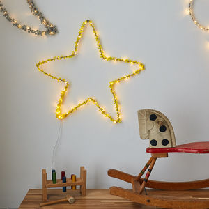 Pom Pom Star Wall Light
