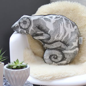 The Curious Chameleon Sofa Sculpture® Cushion - new in home
