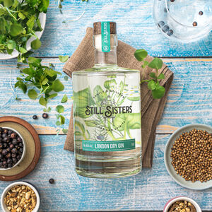 Still Sisters Signature London Dry Gin 500ml