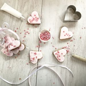 Heart Sprinkle Biscuit Baking Kit - gifts for the kids