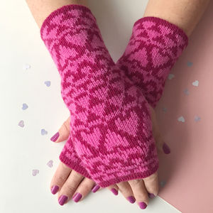 Ladies Lambswool Wrist Warmers Heart Pattern - womens