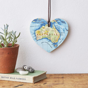 Engraved Map Location Hanging Heart - 5th anniversary: wood