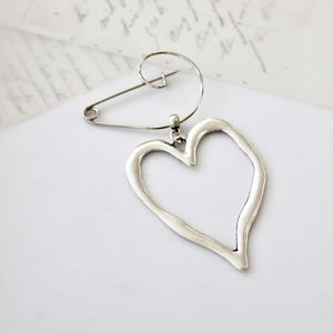 Contemporary Heart Silver Plated Swirl Pin Brooch