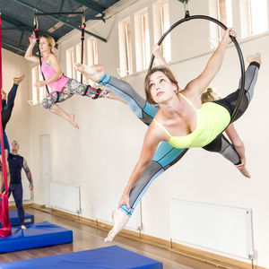 Static Trapeze Beginners Class For Two - dance music & sport