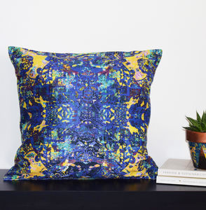 'Eccentric' Cushion