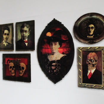 Spooky Picture Frame Decoration