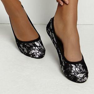 Barbican Lace Foldable Shoes