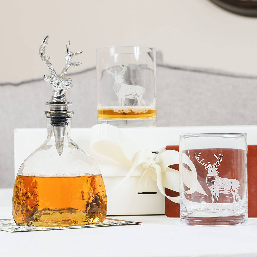 whisky decanter glass whiskey decanters crystal whisky decanters whisky decanter home page. Black Bedroom Furniture Sets. Home Design Ideas