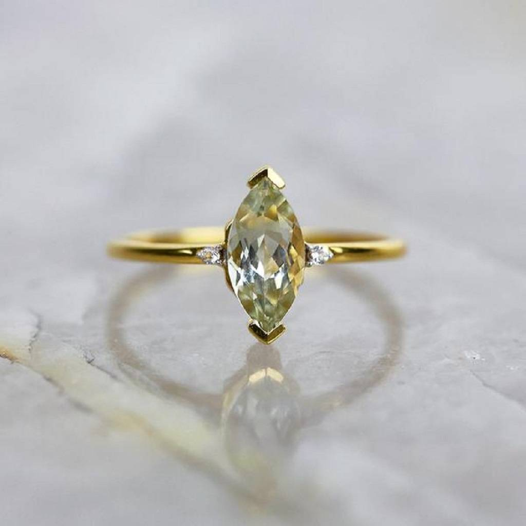 gold shape three ring with rings sides side marquise center stones stone engagement marquis in pear diamond white