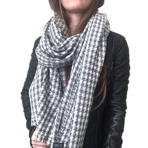 Scarves For Change: Socially Conscious Cashmere Scarf