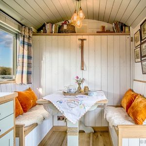 Shepherd's Hut Two Night Romantic Stay Meal And Hot Tub - unusual activities