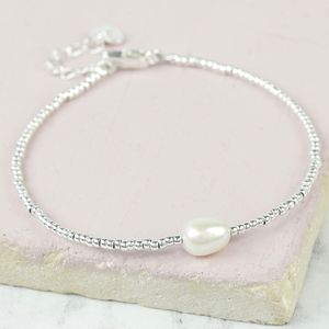 Dainty Seed Bead And Pearl Bracelet