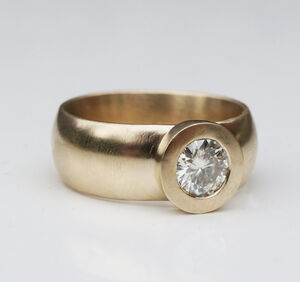 Recycled Gold 1ct Moissanite Ring