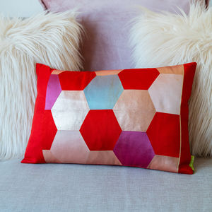 Kimono Cushion Pink Red Hexagon Design - bedroom