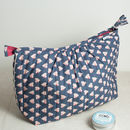 Pagoda Washbag In Charcoal Solero Heart Print